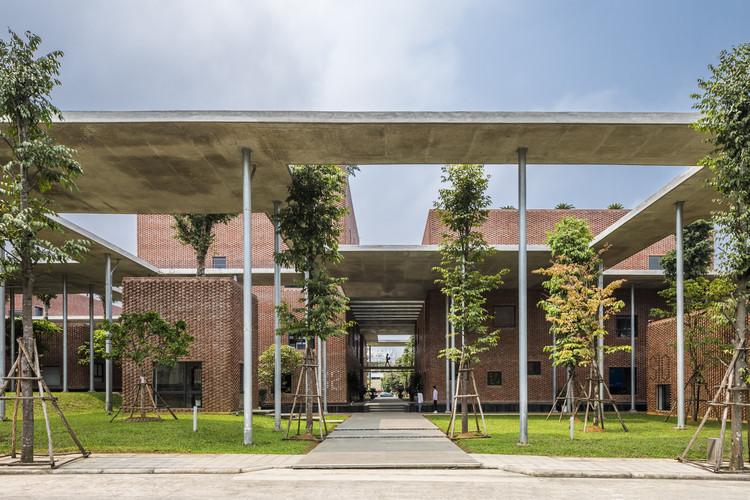 Centro educativo de la Academia Viettel / VTN Architects, © Hiroyuki Oki