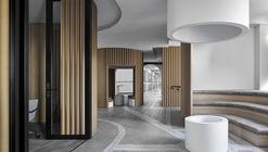 Piazza Dell'Ufficio Offices / Branch Studio Architects