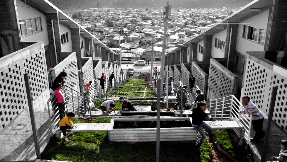 Examples of Patterns and Generative Codes on Socially-Organized Housing in Latin America