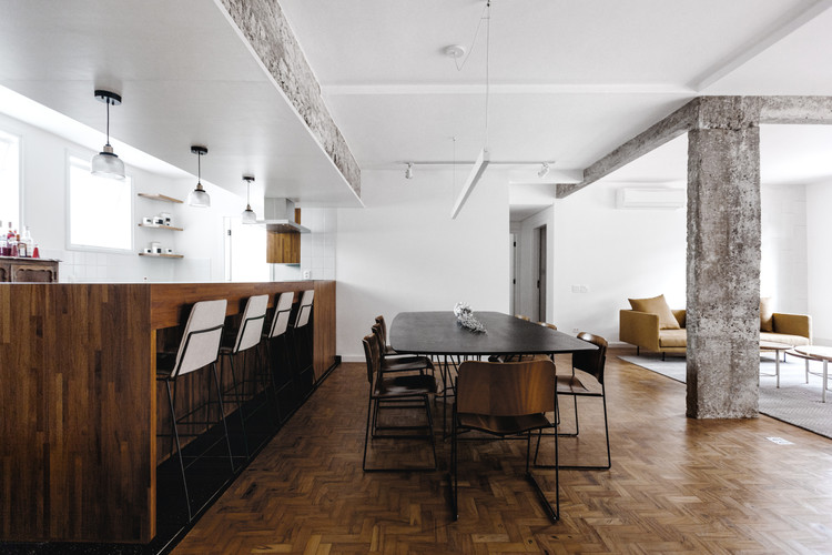 Apartamento Eucalipto / MNBR Arquitetos, © Daniel Lee