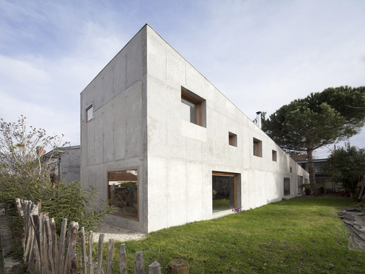 Casa ALY / MORE Architecture
