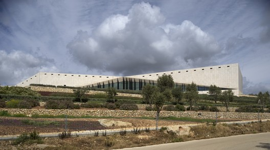 Palestinian Museum, Palestine / Heneghan Peng Architects. Image Image © Aga Khan Trust for Culture / Cemal Emden (photographer)