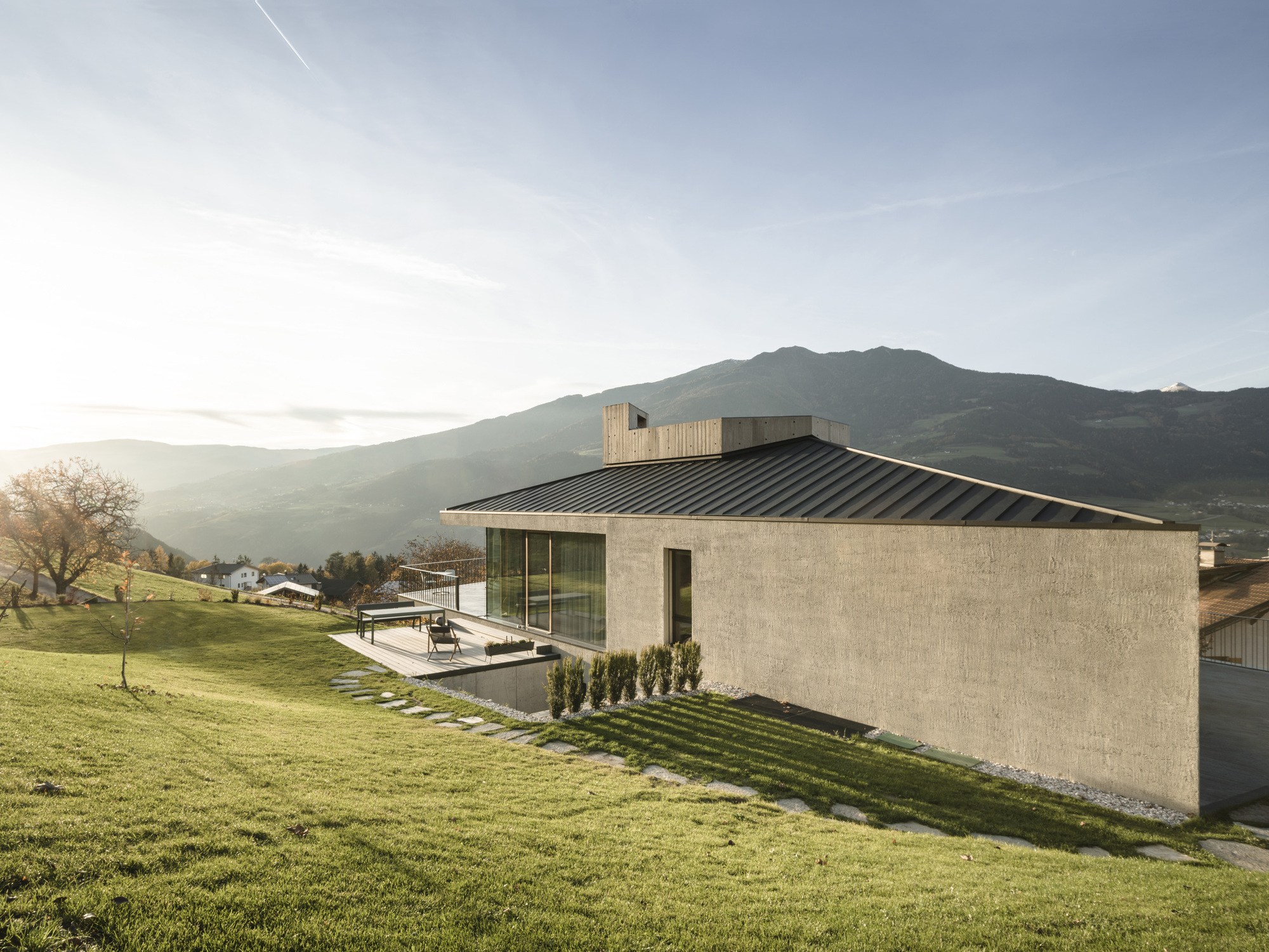 House On The Hill Modusarchitects Archdaily