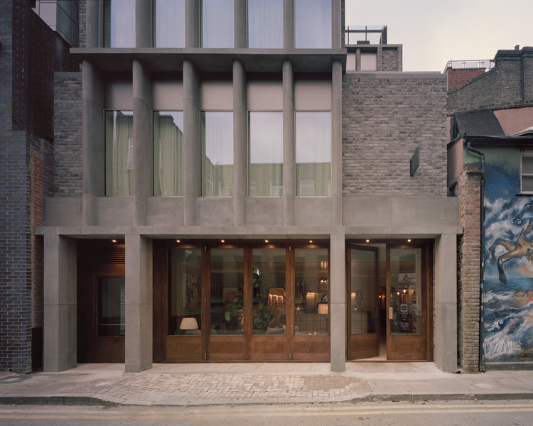 Redchurch Townhouse / 31/44 Architects, © Rory Gardiner