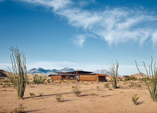 """Known primarily for their ranch houses, which combine modern forms and rich local material traditions, Lake Flato Architects have also developed an architecture of """"eco-conservation."""" An example is their Big Bend Fossil Discovery Exhibit in the middle of Texas's Chihuahuan Desert.. Image © Casey Dunn"""