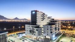 Edifício Axis / dhk Architects
