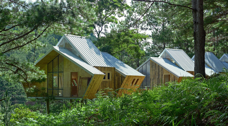 Ta Nung Homestay Executive Office / MyAn Architects | ArchDaily