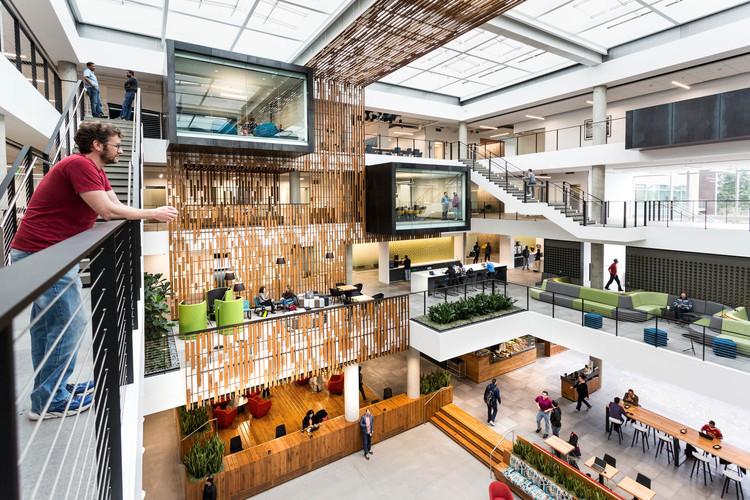 Building 83 Interior Architecture / Bora Architects, © Brian Smale