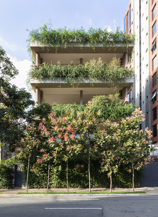 Edifício Lorena / Lucia Manzano Arquitetura + Paisagismo, © Evelyn Müller