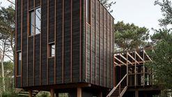 Casa en La Juanita / Delfina Riverti + FRAM arquitectos