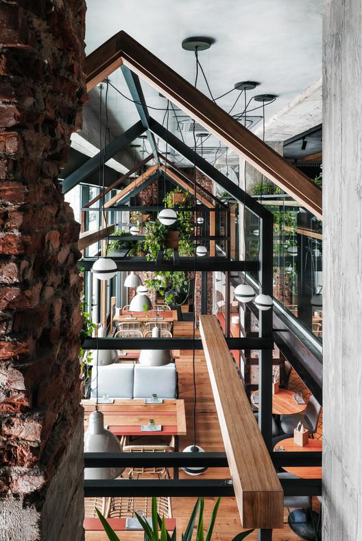 Kompaniya Restaurant / DA architecture bureau