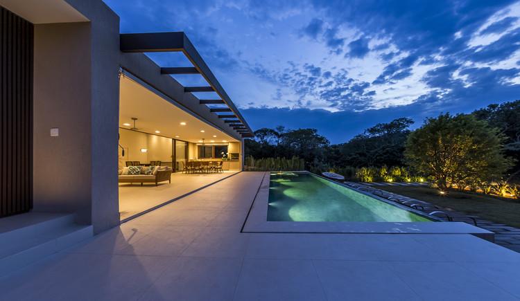 Residência SF / Belluzzo Martinhao Arquitetos, © Jo Leão