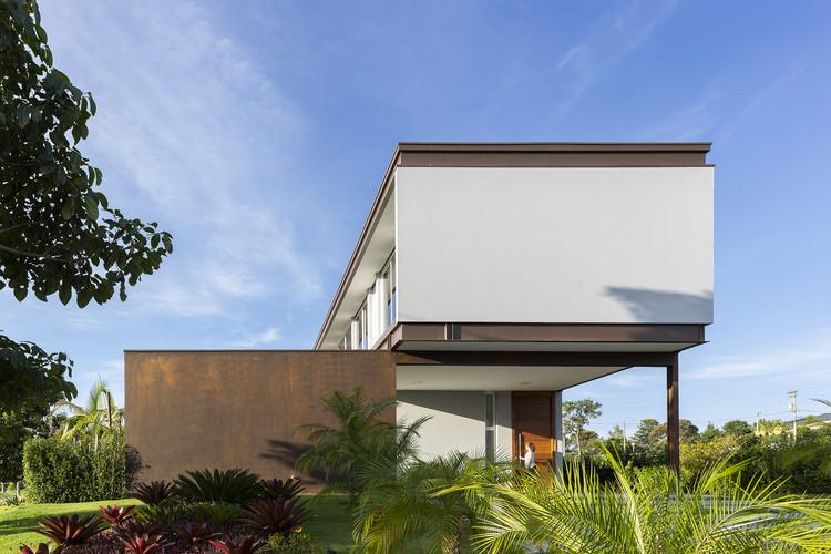 Casa BT / Taguá Arquitetura, © Leonardo Giantomasi