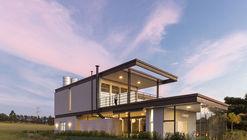 Casa BT / Taguá Arquitetura