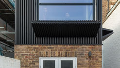 Black Box Apartment / MATA Architects