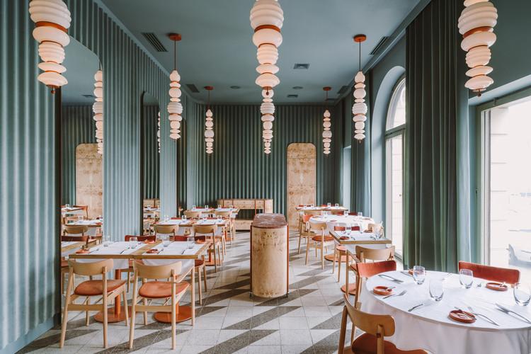 OpaslyTom Restaurant / BUCK.STUDIO, © PION Basia Kuligowska, Przemysław Nieciecki