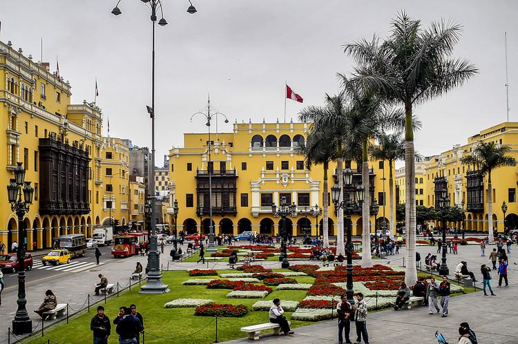 El centro de Lima lleva 10 años sin plan de recuperación urbana (y todavía sigue igual), vía Wikipedia User: Rodolfo pimentel Licensed Under CC BY-SA 4.0