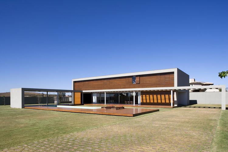Casa Manacás / Gustavo Penna Arquiteto e Associados, © Leonardo Finotti