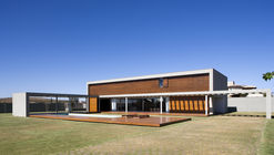 Casa Manacás / Gustavo Penna Arquiteto e Associados