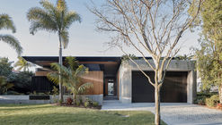 Casa Cove / Justin Humphrey Architect