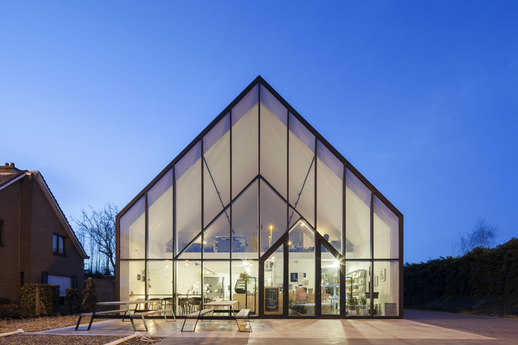 Drongen Furniture Store / WE-S architecten, © Johnny Umans