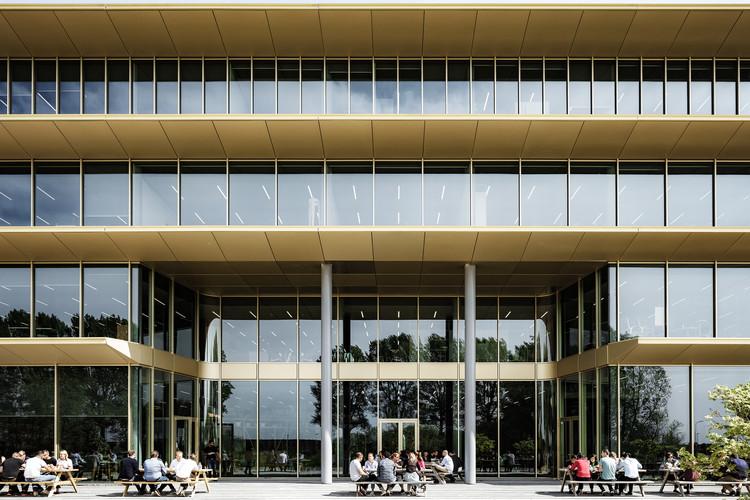 caldera demostración mínimo  ASICS EMEA Headquarters / Powerhouse Company | ArchDaily