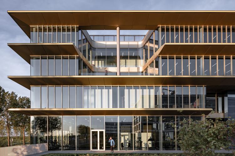 ASICS EMEA Headquarters / Powerhouse Company, © Sebastian van Damme