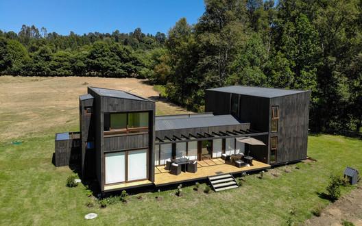 Domo Panguipulli / Domo Habitare + Piffardi Aravena Arquitectos