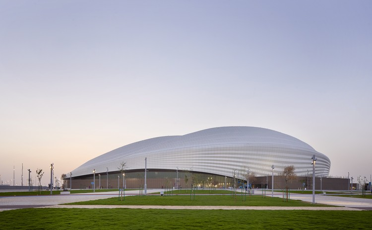Zaha Hadid Architects conclui primeiro estádio da Copa do Mundo de 2022 no Qatar , © Hufton+Crow