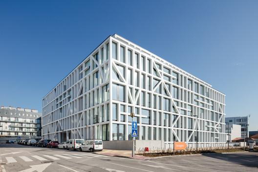 Urbo Business Centre / Nuno Ferreira Capa | arquitectura e design