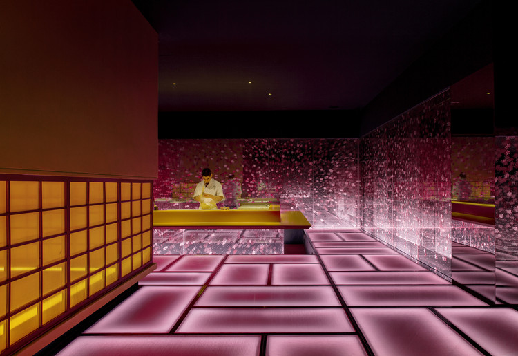 Omakase Restaurant / Shanghai Hip-pop Design Team, First floor public area - sushi table angle. Image © Boris Shiu