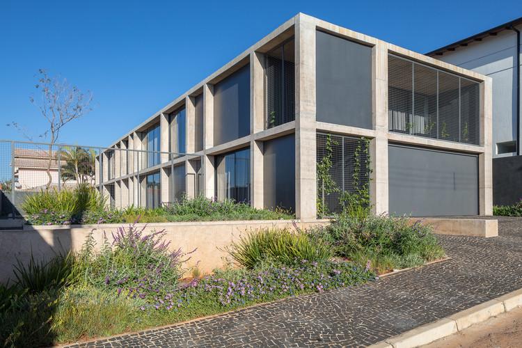 Casa dos Eixos / BLOCO Arquitetos, © Haruo Mikami