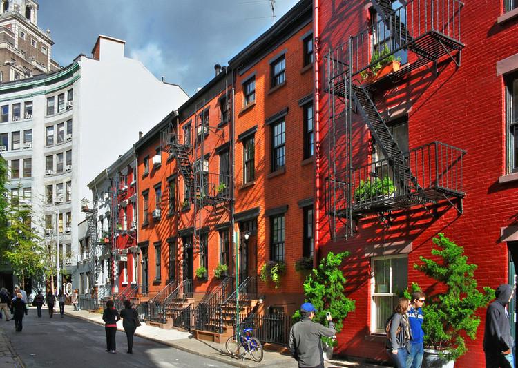 """Dicionário Iphan do Patrimônio Cultural: o que é """"gentrificação"""", Greenwich Village, Nova Iorque, EUA. Foto: © Daniel Mennerich, via Flickr; Licença CC BY-NC-ND 2.0"""