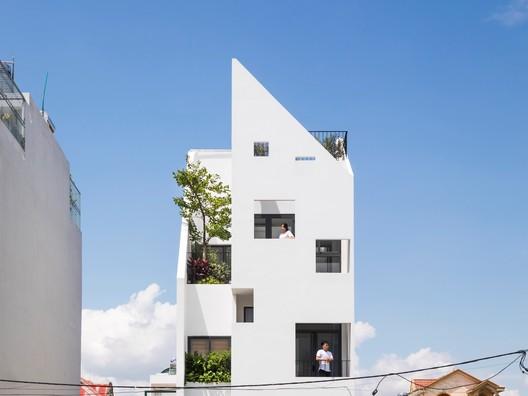 Casa Lien Thong / 6717 Studio