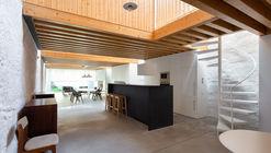 Loft Miraflor / Alexandre Loureiro Architecture Studio