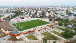 Estadio Romelio Martínez / El Equipo Mazzanti