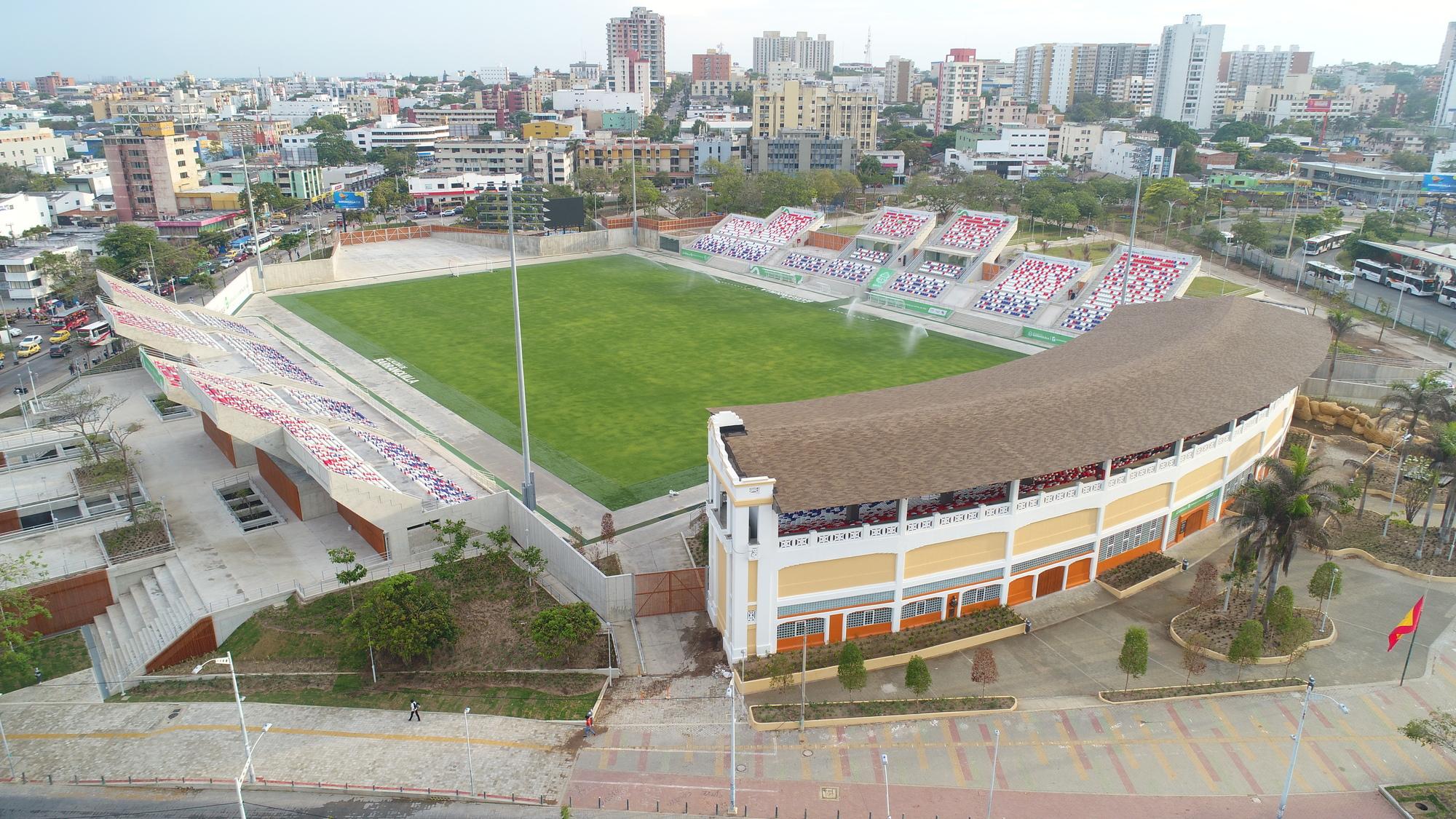 Galería de Estadio Romelio Martínez / El Equipo Mazzanti - 7