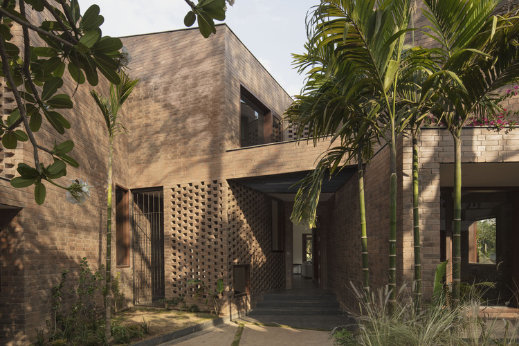 Brick House / CollectiveProject, © Benjamin Hosking