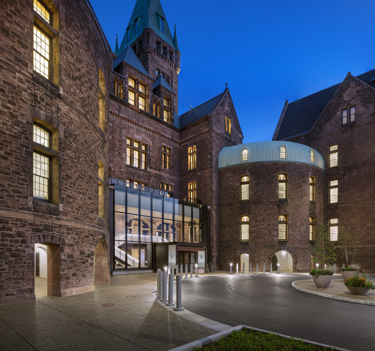Hotel Henry at the Richardson Olmsted Campus / Deborah Berke Partners, © Christopher Payne