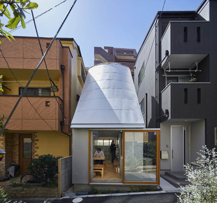 Love2 House / Takeshi Hosaka Architects, © KOJI FUJII / Nacasa&Partners Inc