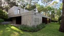 Casa F / Gianserra + Lima arquitectos