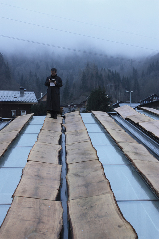 21 proyectos en los que Kengo Kuma (re)utiliza materiales de formas inusuales, Mont-Blanc Base Camp / Kengo Kuma & Associates. Image Courtesy of Kengo Kuma and Associates