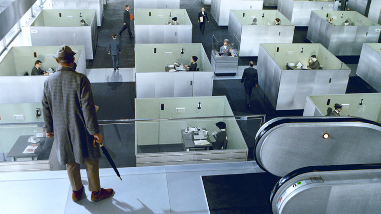 5 Films that Critique Modern Architecture, Playtime (Jacques Tati, 1967). Via film screenshot