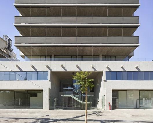 Edificio Las Lilas / Izquierdo Lehmann
