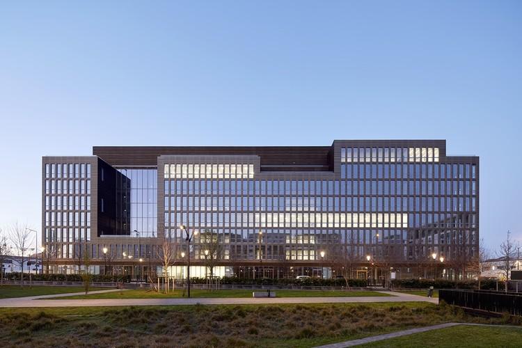 Pulse Office Building & Restaurants / BFV ARCHITECTES, © Frédéric Delangle