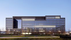 Pulse Office Building & Restaurants / BFV ARCHITECTES