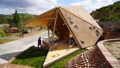 Operable Interactive Village Hut / JCDA