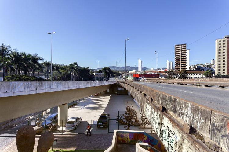 """Exposição """"Outros Territórios"""" ocupa o Viaduto das Artes em Belo Horizonte, Foto: © Eduardo Eckenfels"""