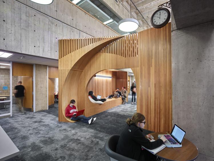Renovación de la biblioteca Sorrells de la Universidad Carnegie Mellon / GBBN, © Ed Massery