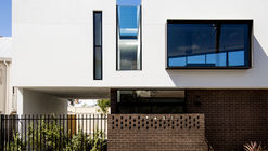 Triangle House / Robeson Architects